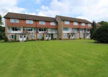 2 bed maisonette to rent in Milton Road, Ickenham, Uxbridge UB10