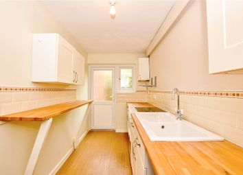 1 bed property to rent in Barn Close, Hemel Hempstead, Hertfordshire HP3