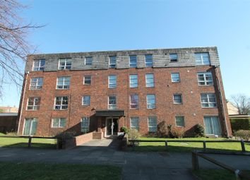 2 bed block of flats to rent in Marlowe Gardens, London SE9