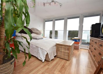 Thumbnail 4 bed flat to rent in Carnarvon Road, London