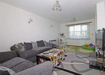 Thumbnail 2 bedroom flat to rent in Kenwyn Road, Dartford