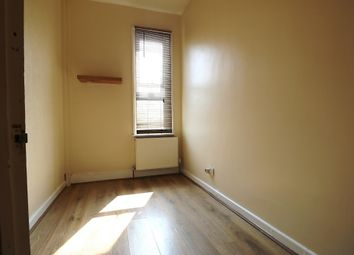 Thumbnail Studio to rent in (Single Room) Balfour Road, Ilford, Essex