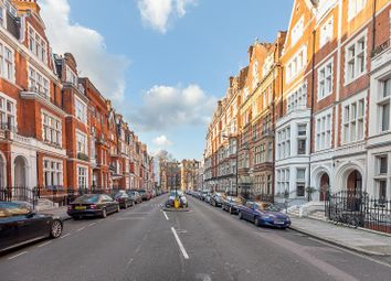 Thumbnail 5 bed flat for sale in Palace Court, London