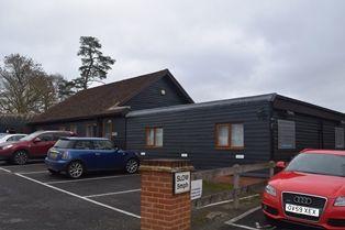 Thumbnail Office to let in Dares Farm Business Park, Ewshott, Farnham