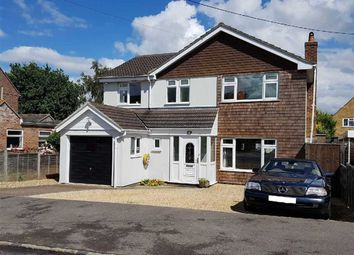 Thumbnail 4 bed detached house for sale in Bourne Road, Thatcham, Berkshire