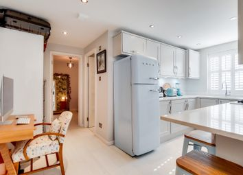 Thumbnail 1 bed flat for sale in Brompton Park Crescent, Fulham, London