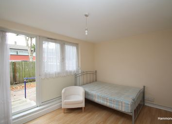 2 bed flat to rent in Alfred Street, London E3