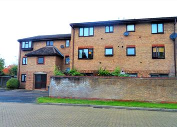 Thumbnail 1 bed flat for sale in Quincy Road, Egham