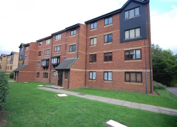 Thumbnail 2 bed flat to rent in The Glen, Basildon