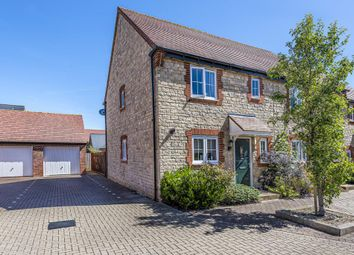 3 bed end terrace house to rent in Kingsmere, Bicester OX26