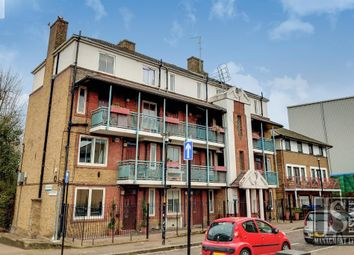 Fountain House, Bermondsey, London SE16. 3 bed flat for sale