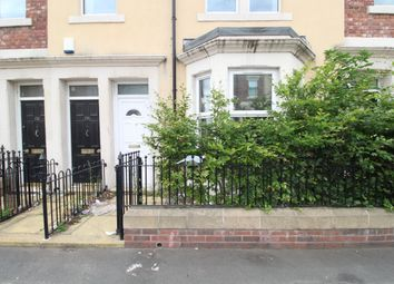 Thumbnail 2 bed flat to rent in Rectory Road, Gateshead
