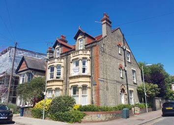 Thumbnail 5 bed shared accommodation to rent in Lyndewode Road, Cambridge