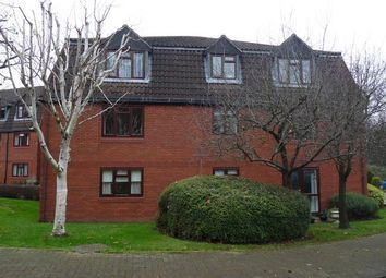 Thumbnail 2 bedroom flat to rent in Crescent Dale, Shoppenhangers Road, Maidenhead