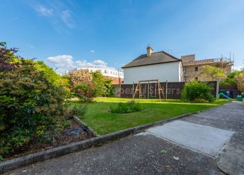 2 bed maisonette for sale in Hale Lane, Mill Hill NW7