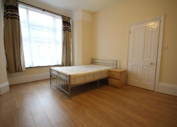 Thumbnail 2 bed flat to rent in Cavendish Road, Haringay, London