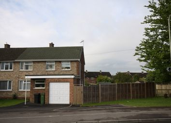 Thumbnail 2 bed flat to rent in Turnpike Road, Newbury