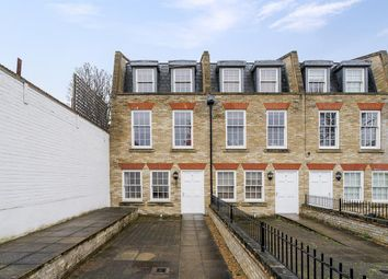 Thumbnail 4 bed flat to rent in Montague Mews, London