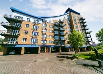 Thumbnail 2 bedroom flat to rent in Luscinia View, Napier Road, Reading