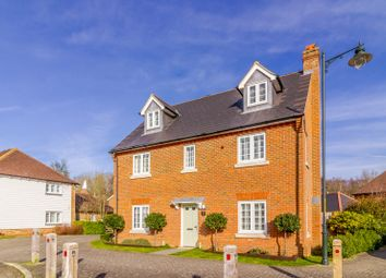 Thumbnail 5 bed detached house for sale in 33 Amber Lane, Kings Hill, Kent