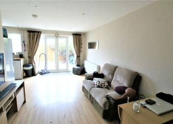 1 bed flat to rent in Burhill Road, Hersham, Walton-On-Thames, Surrey KT12