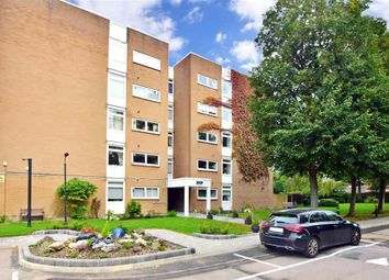 The Bowls, Chigwell, Essex IG7. 2 bed flat