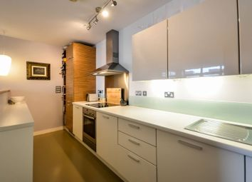 2 bed flat to rent in Union Park, Greenwich, London SE10
