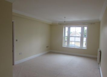 Thumbnail 1 bed flat to rent in Marine Parade East, Clacton-On-Sea