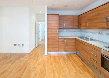 Thumbnail 3 bedroom flat to rent in Fieldgate Street, Liverpool Street
