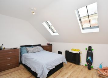 2 bed maisonette to rent in Bramshaw Road, London E9