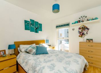 Thumbnail 1 bedroom flat for sale in Point Pleasant, Wandsworth