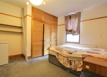 Thumbnail 1 bed property to rent in Zinzan Street, Reading
