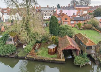Thumbnail 5 bed town house for sale in Northgate, Beccles