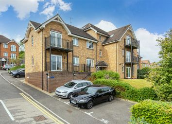 Thumbnail Flat for sale in Morris Mews, Loudwater, High Wycombe