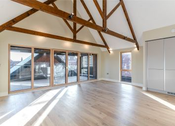 Apartment 8, Gardiner Place, Henley-On-Thames, Oxfordshire RG9. 3 bed flat for sale