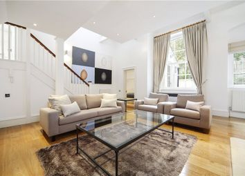 2 Bedrooms Mews house to rent in Pont Street Mews, Knightsbridge, London SW1X