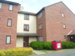 Thumbnail 1 bed flat to rent in Elmdon Road, South Ockendon
