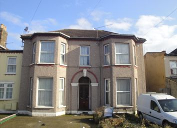 Thumbnail 3 bed flat to rent in Eastwood Road, Goodmayes