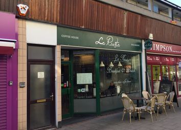 Thumbnail Restaurant/cafe for sale in Broad Walk, Crawley