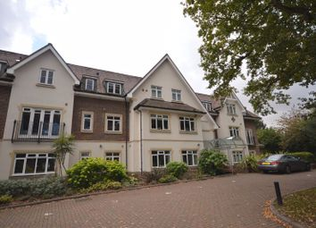 Thumbnail 2 bedroom flat to rent in Station Road, Beaconsfield