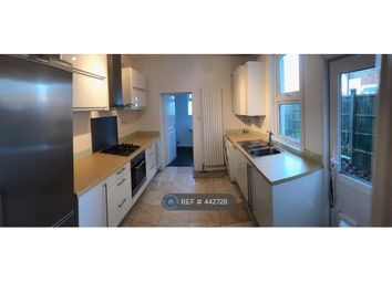 Thumbnail 1 bed flat to rent in Framfield Road, London