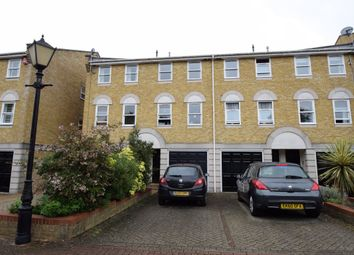 Thumbnail 1 bed property to rent in Vicarage Drive, Beckenham