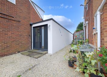 Thumbnail 1 bed flat to rent in North Town Moor, Maidenhead