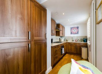 2 bed property to rent in Caradoc Street, Greenwich, London SE10
