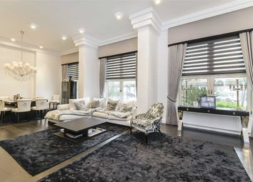 Thumbnail 3 bed flat for sale in Lords View Two, London