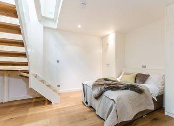 Redfield Lane, Earls Court, London SW5. 1 bed flat