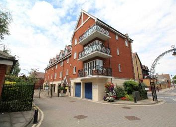 Thumbnail 2 bedroom flat for sale in Neptune Quay, Ipswich