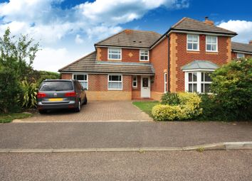 Thumbnail 4 bed detached house to rent in Fenby Close, Horsham