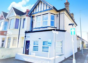 Thumbnail 1 bedroom flat for sale in Bournemouth Park Road, Southend On Sea, Southend On Sea