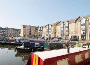 Thumbnail 3 bed flat to rent in Evans Wharf, Apsley Lock, Hemel Hempstead